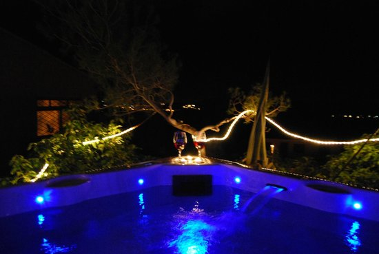 Torrelles de Foix, Spania: Jacuzzi at night - romantic moments